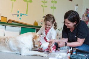 Helfende Pfötchen – Tiergestützte Förderung für Groß und Klein